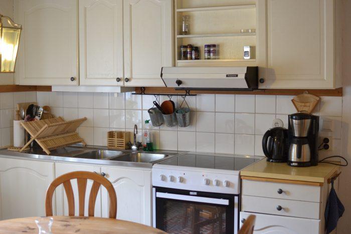 Köket framifrån lägenhet 2