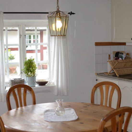 köksbordet i lägenhet 2